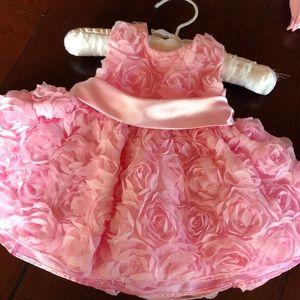 Adorable American Princess Dress. 3 Months.
